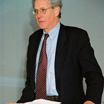 Dr. Niek Rengers
